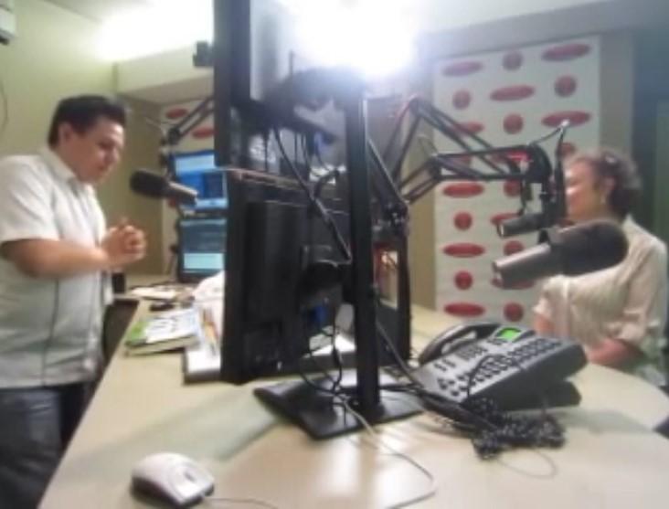 Entrevista de Radio en Los Angeles Radio Interview in Los Angeles